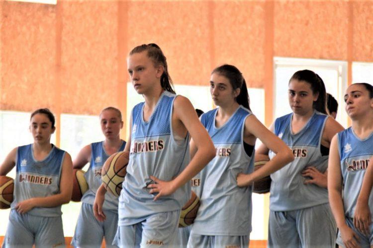 Torneo de nochebuena de baloncesto categoría femenina de Ourense.