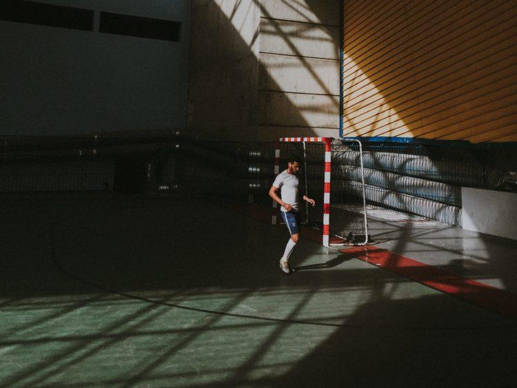 Terreno de juego del reglamento del Fútbol jugadores